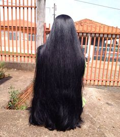 I love this beautiful long hair all the way to her bum. To her midway. She was amaze and shock and new look Long Silky Hair, Long Dark Hair, Medium Long Hair, Very Long Hair, Thick Hair, Long Indian Hair, Long Hair Models, Long Hair Play, Rapunzel Hair