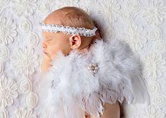 Aniołki są wśród nas <3 #sesjanoworodkowałódź #fotografianoworodkowałódź #fotografnoworodkowyłódź #angel #aniolek #newbornphotographer #sesjazdjeciowa #newborn #noworodek #newbornphoto Fotograficzne Marzenia  Zapraszam do rezerwacji terminów. Proszę pamiętajcie że sesje noworodkowe wykonujemy między 5 a 14 dniem życia Maluszka http://fotograficznemarzenia.pl