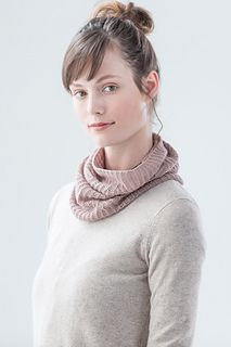 Through June 30th, 2017, the Gully pattern is free with the sale of one or more skeins of Vale yarn from Brooklyn Tweed.
