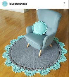 Bom diiiiia! Que seu dia seja divino! Seja forte. Você consegue. A dificuldade mostra que somos capazes! Milhões de beijos... . #crochet #croche #handmade #cesto #fiodemalha #feitocomamor #feitoamao #trapilho #totora #knit #knitting #decor #quartodebebe #baby #tapeteparasala #carpet #boanoite #goodnight #carpet #tapete #bomdia #goodmorning Por @bluepracownia