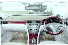 Cool interior of  Used Lexus ES300 from Singapore Pre-owned cars IBC Japan  Visit: www.ibcjapan.co.jp for details