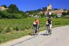 Plus de 1 500 km de circuits, pas moins de 3 voies vertes et 35 itinéraires sont présents en Provence!