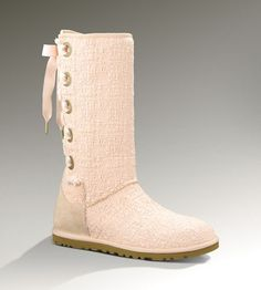 Shop for Womens UGG Classic Short Boot in Bright Blue at Journeys Shoes. Shop today for the hottest brands in mens shoes and womens shoes at Journeys.com.The UGG Classic features a sheepskin upper and a soft fleece lining to keep your feet nice and toasty. 8 shaft. Available for shipment in August; pre-order yours today!