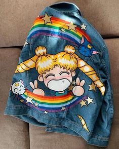 Chaqueta de mezclilla pintada a mano sailor Moon chaqueta de | Etsy Painted Denim Jacket, Painted Jeans, Painted Clothes, Hand Painted, Custom Clothes, Diy Clothes, Jean Jacket Design, Denim Art, Denim Ideas
