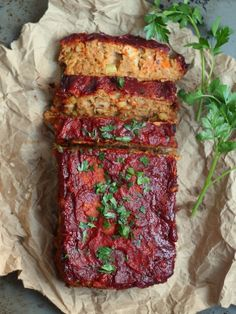 This hearty vegan meatloaf is made from a base of seasoned chickpeas, baked up to perfection and topped with a flavorful maple glaze. It's not quite a classic meatloaf. It's better. Vegan Meatloaf, Meatloaf Recipes, Vegetarian Meatloaf, Vegan Recipes Easy, Vegetarian Recipes, Entree Recipes, Top Recipes, Vegetarian Cooking, Lunch Recipes