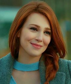 Prettiest Actresses, Beautiful Actresses, Redhead Quotes, Red Hair Woman, Girls With Red Hair, Gorgeous Redhead, Turkish Beauty, Her Hair, Redheads