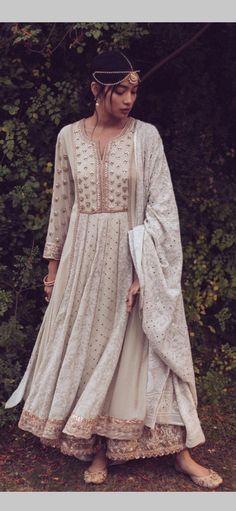 Long Frock, Stylish Suit, Wedding Wear, Indian Dresses, Anarkali, Frocks, Pakistani, Bridal Dresses, Sarees