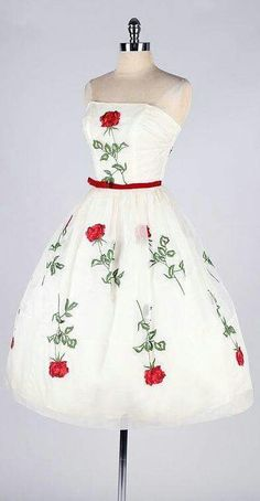 Vintage Fashion Vintage Party Dress jαɢlαdy More - Pretty Outfits, Pretty Dresses, Beautiful Outfits, Moda Vintage, Vintage Mode, Vintage Style, 50s Vintage, Vintage Party Dresses, Vintage Outfits