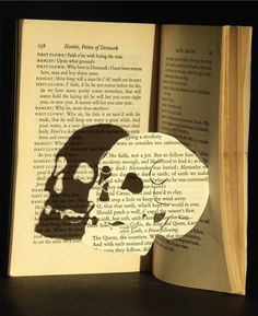 recycled book- very Hamlet.A great idea for those books that are just taking up space. Skull And Bones, Altered Books, Skull, Skull Art, Creative, Art, Book Art, Paper Art, Hamlet