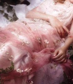 Dakota Fanning in Sleeping Beauty shot by Karl Lagerfeld for Vanity Fair of two pins] - Ethereal Gown: Dakota Fanning in Sleeping Beauty shot by Karl Lag… Best Picture For minimalist b - Aphrodite Aesthetic, Fashion Fotografie, Princess Aesthetic, Mabon, Classical Art, Renaissance Art, Oeuvre D'art, Ethereal, Pretty In Pink