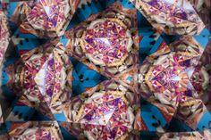 Con el título de Hermèscope, Óscar Díaz ha diseñado el escaparate de Maison Hermès de la ciudad japonesa de Ginza para la inauguración de la colección primavera/verano 2014.El proyecto nace del concepto de metamorfosis,tema en el que se basa el escaparatismo de la exclusiva marca para este año. A partir de esa idea, el diseñador [...]