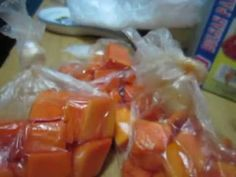 COMO CONSERVAR LA PAPAYA - YouTube Bananas, Youtube, Tips, Guava Fruit, Fruits And Vegetables, Strawberry Fruit, Drink, Remedies, Board