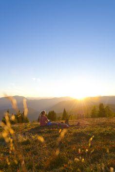 Zweisamkeit in den Bergen (c) Franz Gerdl #wandern #hike #Urlaub #sundowner #earlybird #Sonnenaufgang #Sonnenuntergang #sunrise #morninghike #Sport #alps Bergen, Mountains, Nature, Travel, Sport, Sunset, Adventure, Hiking, Vacation