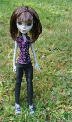 Monster High doll Ghoulia repaint by Gudy
