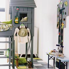 Google Afbeeldingen resultaat voor http://www.vtwonen.nl/wp-content/uploads/2012/01/stoere-jongenskamer-boomhutbed-groen-grijs.jpg