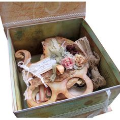 Darul celor 7 ursitoare - Cadouri nunta si botez - Cadouri de la Kadoly.ro - Cadouri personalizate d Album, Handmade Gifts, Kid Craft Gifts, Craft Gifts, Diy Gifts, Hand Made Gifts, Card Book, Homemade Gifts