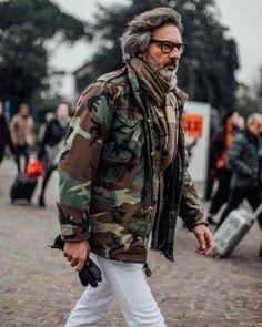 andrealorenzofotografia:Best Field Jacket ever Old Man Fashion, Camo Fashion, Military Fashion, Mens Fashion, Fashion Outfits, Stylish Men, Men Casual, M65 Jacket, Best Street Style