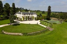 La Dolce Vita: Global Architecture: English Country House
