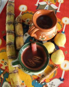 Ponche Navideño! Delicious Mexican fruit punch #recipe hilahcooking.com