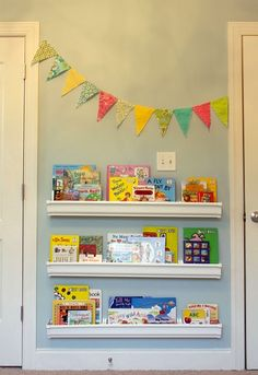 kids room - book display-change out the books each month, to get your child to really look at more than just the faves!