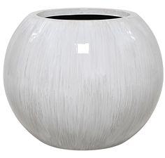 Moderni, pallonmuotoinen Giselle-ruukku sopii ulko- ja sisäkäyttöön. Vase, Home Decor, Decoration Home, Room Decor, Vases, Home Interior Design, Home Decoration, Interior Design, Jars