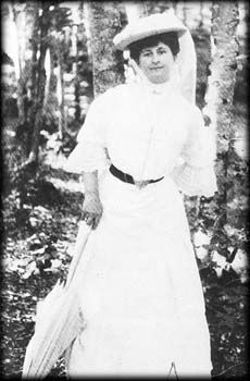 Anais Nin's Mother, Rosa Culmell Nin photographed by her father in 1902