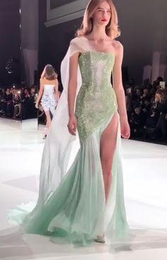 Gala Dresses, Event Dresses, Nice Dresses, Formal Dresses, Wedding Dresses, Green Outfits, Dream Prom, Miss Dress, Painting Inspiration