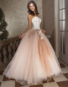 優しい色のドレス