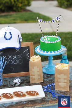 Brings some style to your homegating set-up with these DIY popcorn bags and football-shaped cookies. (via Pink Peppermint Design)