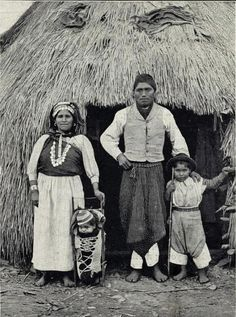 The New York Public Library's Digital Photo Archive Is a Time Machine Through Latin American History Native American History, American Indians, American Life, Rio Grande, Patagonia, Primitive Survival, Chili, Photo Archive, Tribal Art