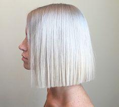 Brown Blonde Hair, Platinum Blonde Hair, Dark Hair, Short Hair Back, Short White Hair, Above The Shoulder Haircuts, Medium Hair Styles, Curly Hair Styles, One Length Haircuts