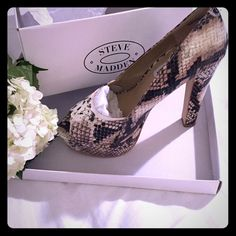 Steve Madden Snakeskin High Heels  Size 6 Steve Madden High Heel...wore these twice and still in original box. Platform makes it comfortable....in great condition!  Steve Madden Shoes Heels