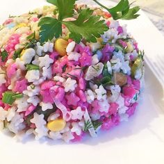 """178 Beğenme, 34 Yorum - Instagram'da Leziz Tarifler (@enlezizo): """"Merhabalar salata tutkunları, buyrunuz leziz mi leziz """"Iki renkli Şehriye Salatası""""  Malzemeler…"""""""