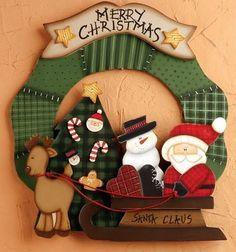 Placa Corona de Navidad Wooden Ornaments, Felt Christmas Ornaments, Christmas Wood, Country Christmas, Christmas Humor, All Things Christmas, Winter Christmas, Christmas Themes, Christmas Wreaths