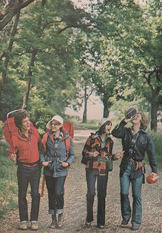 Seventeen 1973 'Turning out for a hiking or camping trip is more fun when you look the part. Adventure Aesthetic, Camping Aesthetic, The Last Summer, Magazine Pictures, Camping Outfits, Hiking Outfits, Hiking Fashion, Seventeen Magazine, Indie