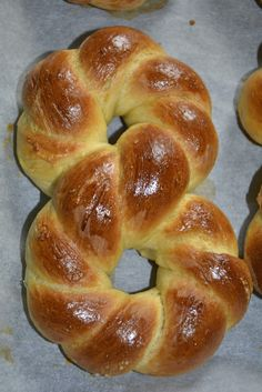 Bagel, Deserts, Bread, Bathroom, Food, Pie, Washroom, Brot, Full Bath