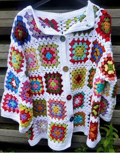 Lindevrouwsweb: Haakpatroon Kroonluchter Alexia Granny Square Poncho, Granny Square Tutorial, Granny Squares, Cruise Formal Night, Pattern Pictures, Baby Vest, Crochet Jacket, Crochet Granny, Party Wear