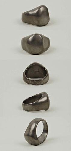 Maison Martin Margiela 11 Men's Casting Brass Ring Men's Jewelry Rings, Jewelry Art, Jewelery, Jewelry Accessories, Women Jewelry, Mens Ring Designs, Ring Bracelet, Crane, Rings For Men