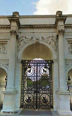 Central gate of the Marble Arch, London