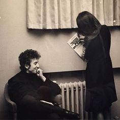 65- Bob Dylan smile