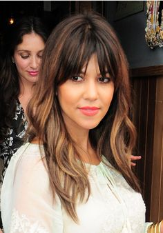 Kourtney Kardashian's Pretty Waves & Plump Peach Lips — Get The Look