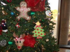 Painted Burlap Snowman Ornament by PaintMeASmile on Etsy, $10.00