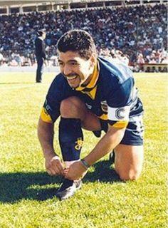 Una cábala atarse los botines Diego Armando, Nike Football, Fifa World Cup, Messi, Shark, Athlete, Champion, Running, American