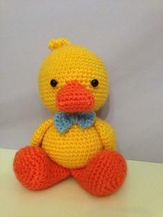 Don pato, elaborado por mi y patrón sacado de http://amigurumibb.wordpress.com/2013/06/13/quack-quack-quack/