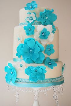 Aquamarine Summer Wedding Cake by Let It Be Cake #bluewedding
