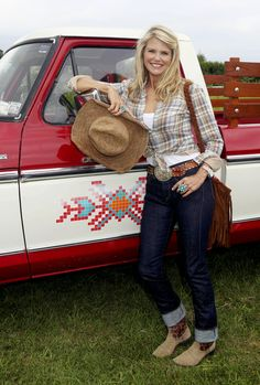 "Christie Brinkley Photo - Christie Brinkley at the ""Wild West"" Carnival"