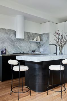 An Enduring Contrast – Rozelle Terrace by Jillian Dinkel Designs – Project Feature – The Local Project