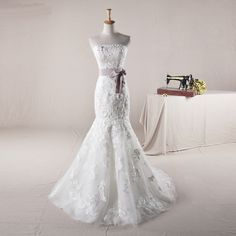 Strapless Trumpet/Mermaid Tulle wedding dress
