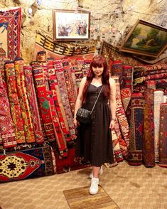 CHLOE.ROXANE - Travel : Discovering Turkey and the Cappadocia region. Loving the oriental feel of this carpet store and the contrast of my monochromatic look. A black midi dress, white FILA sneakers and a Night&Day bag by De Marquet is my go-to look to go discover this region. Capadocia, Day Bag, Day For Night, Black Midi Dress, Chloe, Oriental, Contrast, That Look