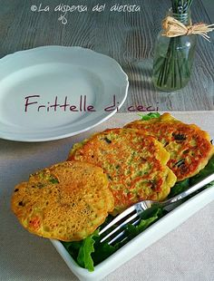 La dispensa del dietista: Frittelle di ceci con verdure Vegetarian Cooking, Healthy Cooking, Vegetarian Recipes, Healthy Recipes, Eat Healthy, Foods With Gluten, Vegan Foods, Light Recipes, Vegetable Recipes